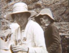 Sara e Alan, a St. Lunaire (Bretagna) nel 1921
